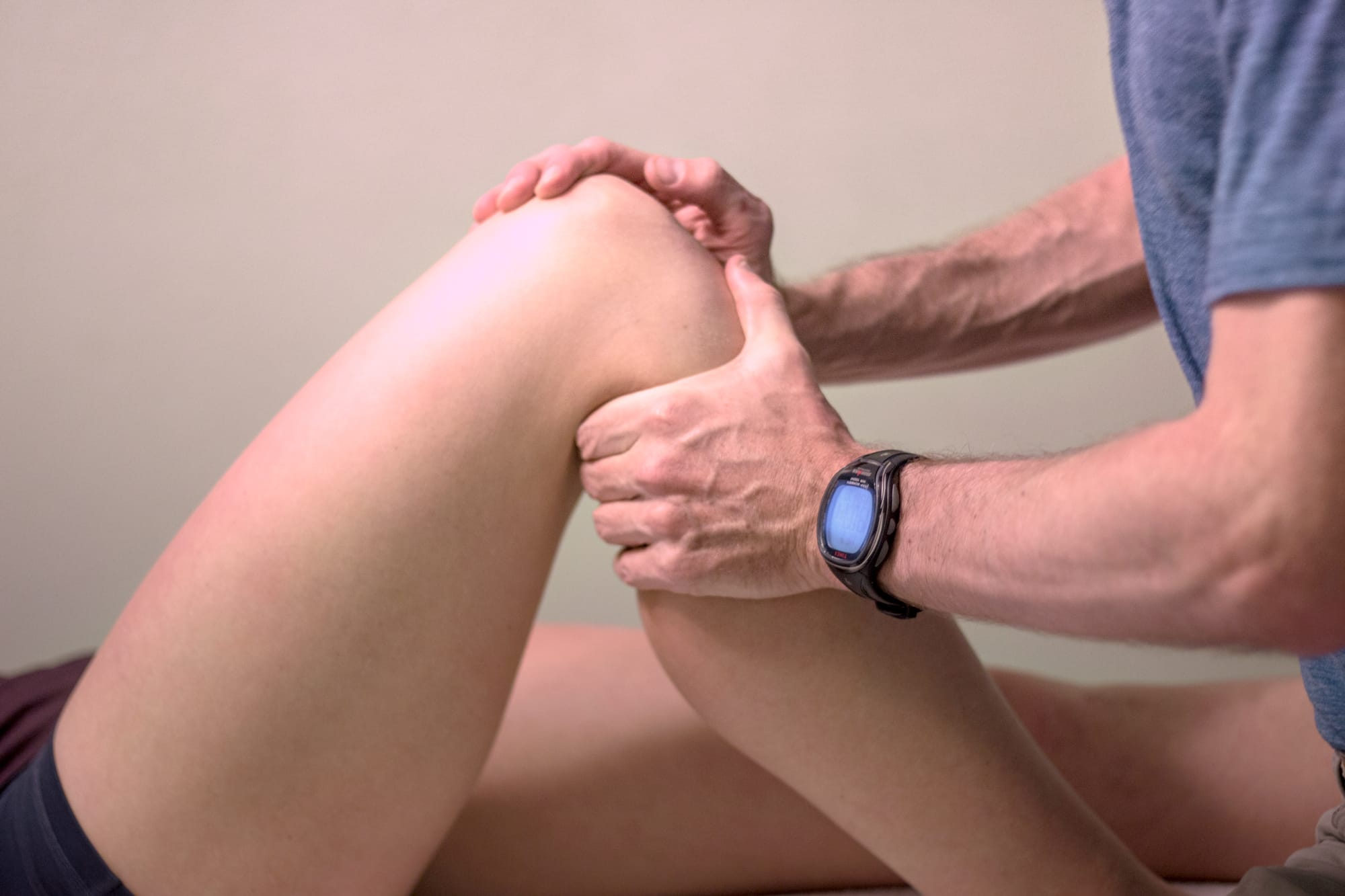 Knee adjustment physical therapy by Joe Uhan